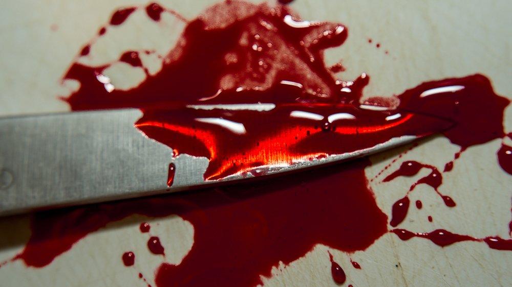 В Хабаровске пьяный мужчина зарезал своего 36-летнего приятеля во время застолья