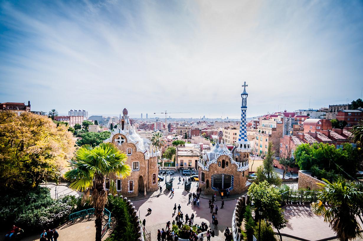 Третье место досталось парку Гуэля в Барселоне. Не удивительно, ведь красочные работы Антонио Гауди эффектно смотрятся на снимках. (Chris Zielecki)