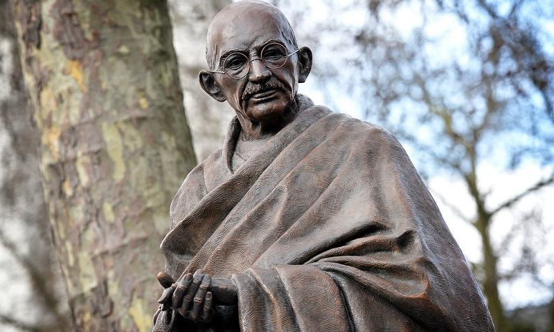 influential leaders julius caesar vs mahatma gandhi