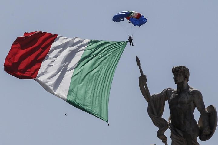 Moody's снизило рейтинг Италии из-за опасений по поводу бюджета страны