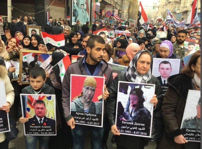 """Сирия. В годовщину освобождения Алеппо впервые прошел """"Бессмертный полк"""".. Сирия, Бессмертный полк, Алеппо, Политика, длиннопост"""