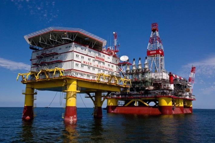 Иранская нефть пойдет через Россию: Путин придумал как обойти санкции