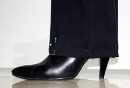 ИГОЛКА С НИТОЧКОЙ. Как правильно подшить брюки