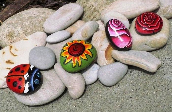 Рисунки на камнях для сада