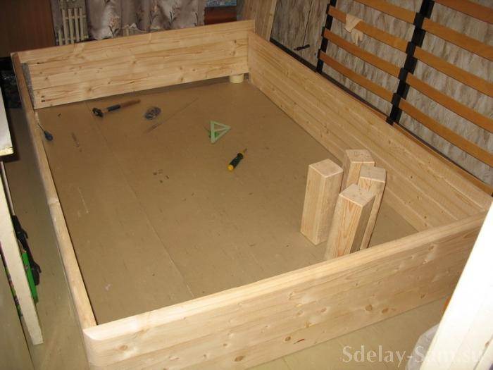 Кровать двуспальная с лифтом и двумя отделениями для вещей делаем сами