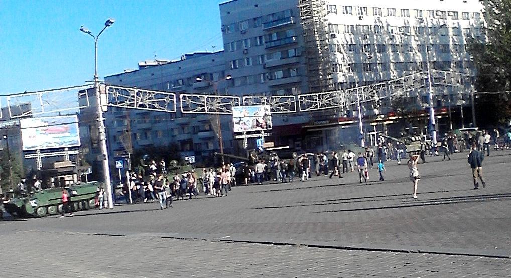 Донецк – «огромное количество танков» и евро-украинский кредитный вопрос