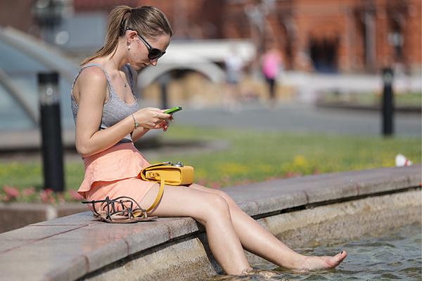 Ученые опровергли влияние мобильных телефонов на развитие рака