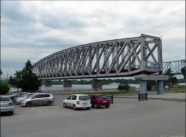 Памятник мосту. Новосибирск Прикольные памятники, факты