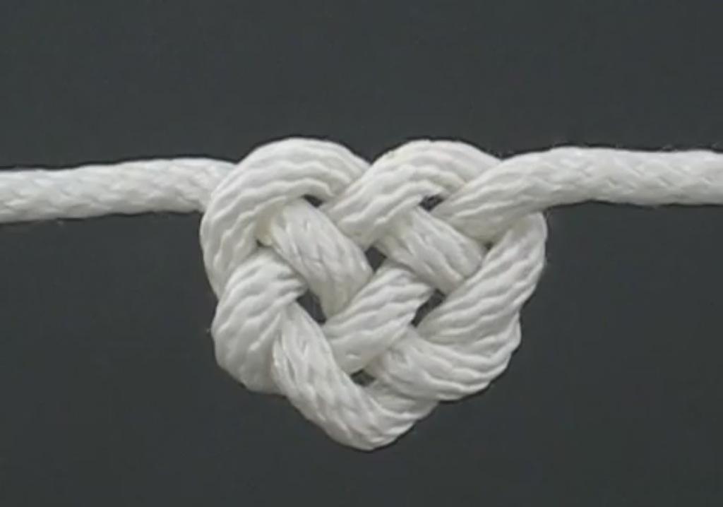 Красиво связать веревку
