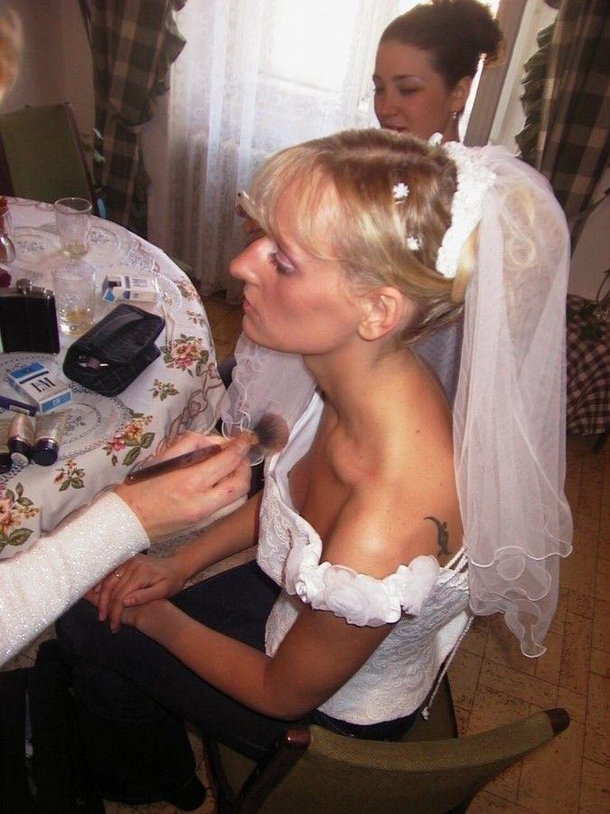 Видео случайные обнажение девушек на свадьбах