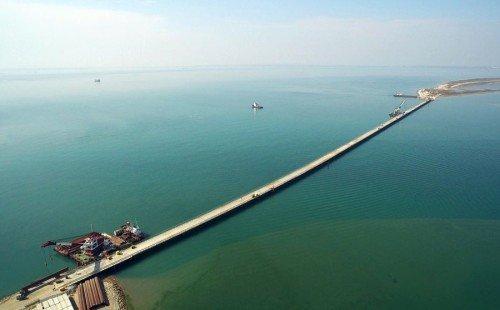 Первый мост в Крым заработал