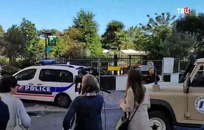 Врезавшийся в военных под Парижем водитель задержан
