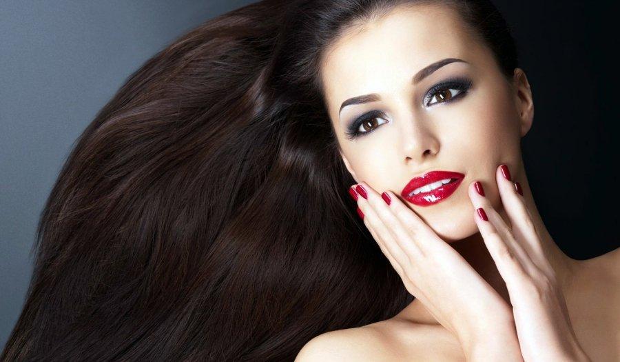 Фото девушки с красивыми волосами