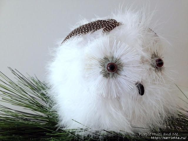 Белая сова из папье маше и боа
