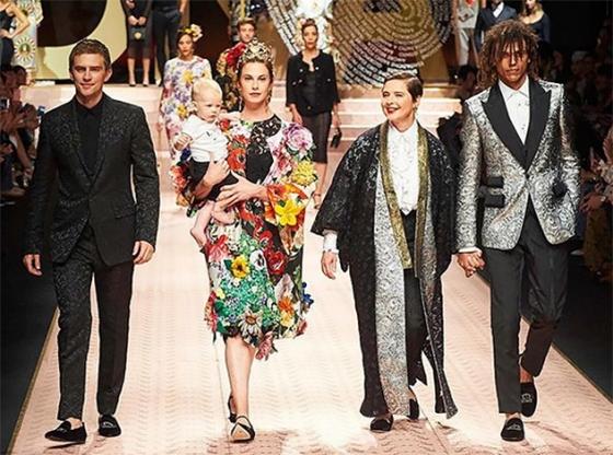 Самые известные женщины мира в показе новой коллекции Dolce & Gabbana