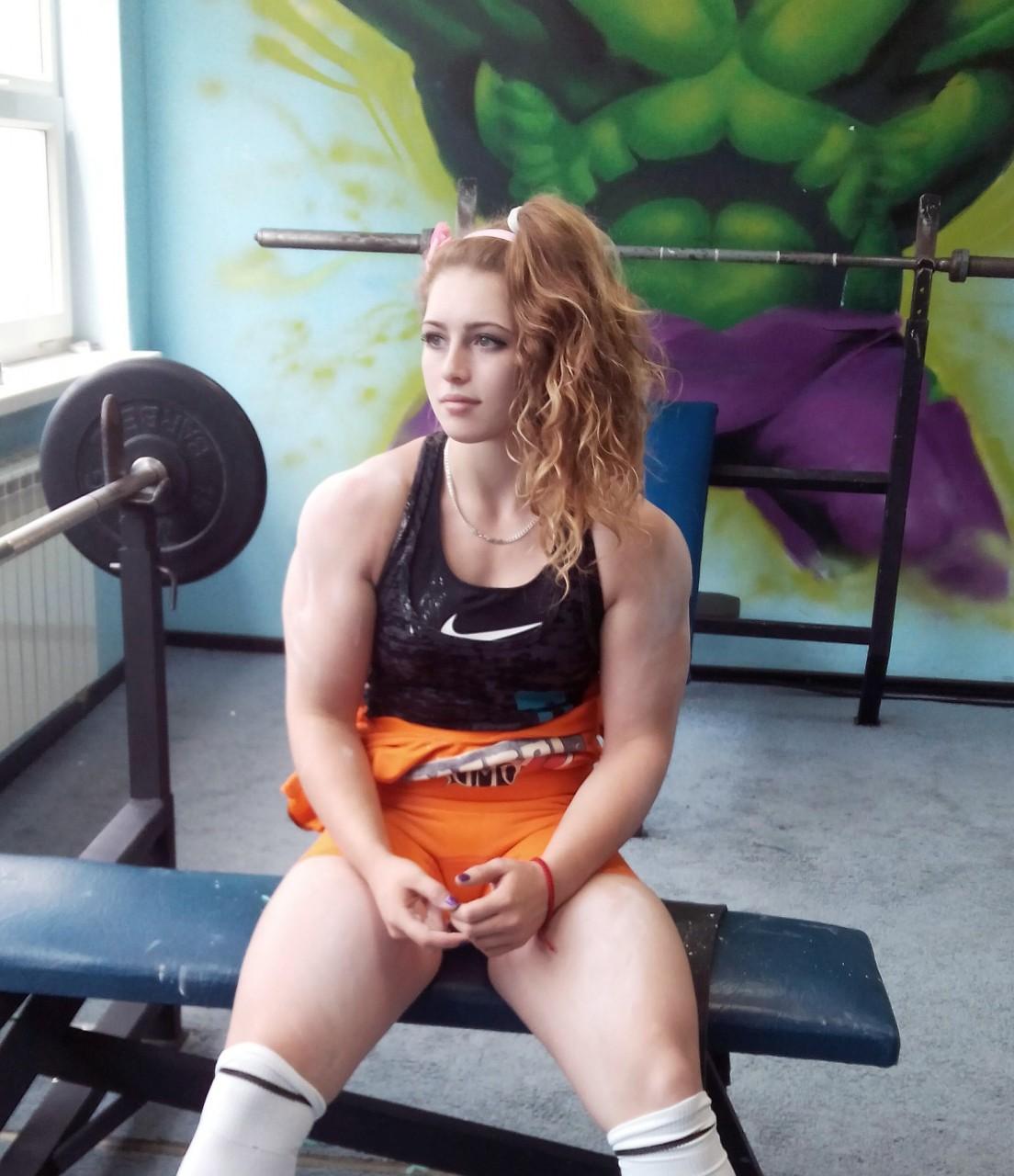 Фото мускулистых девушек в одежде 1 фотография