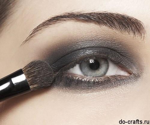 Как делать макияж глаз4