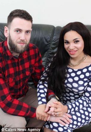 Невеста отказывалась идти к алтарю, пока жених не оплатил ей операцию по увеличению груди
