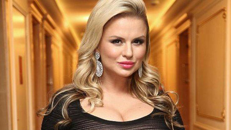 «Совсем стыда нет»: Семенович появилась в Кремле в одном белье, только посмотрите на это