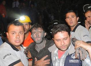 Взрыв на шахте в Турции унес жизни 270 человек