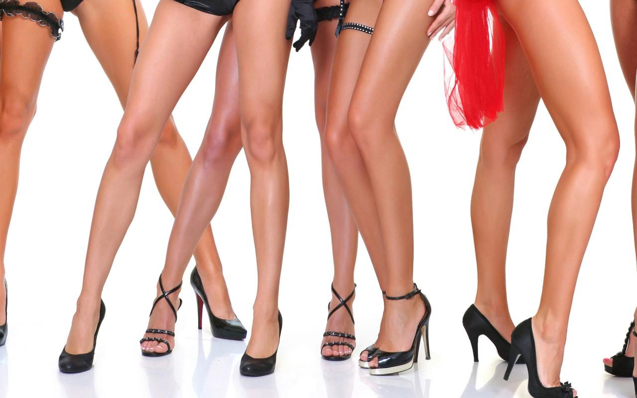 Фото красивых женских ножек в босоножках сккси фото 310-477