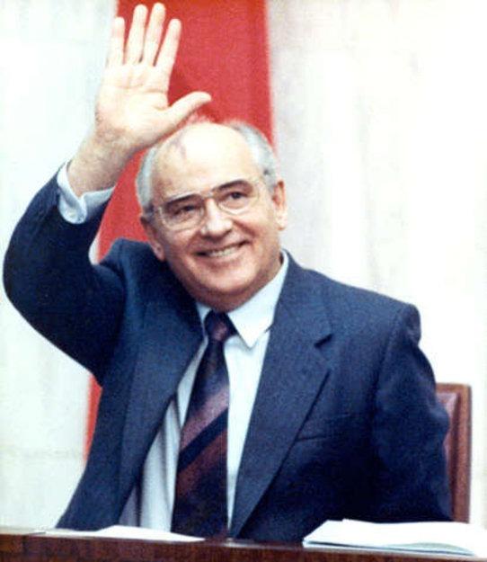 Горбачев хотел отдать Калининград Германии