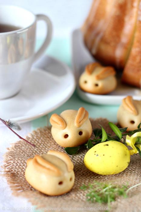 Пасхальные марципановые кролики (рецепт марципана и золотого сиропа)