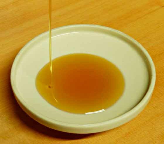 * кунжутное масло - обладает противовоспалительным и успокаивающим эффектом.