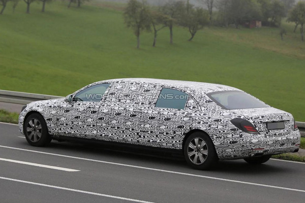 Mercedes S-Class Pullman будет шестидверным