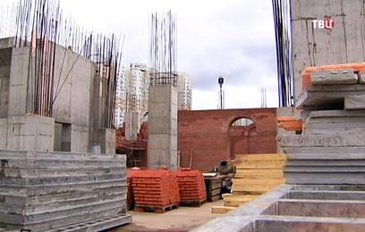 В Митино возводят стены нового храма