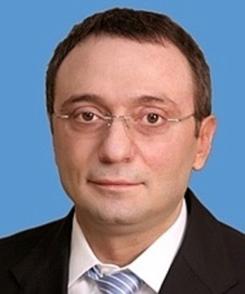 Сенатору Сулейману Керимову разрешили съездить  в Россию на три дня