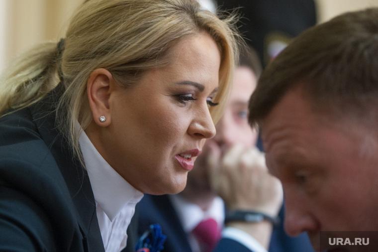 Осталось извиниться и орден дать! Евгении Васильевой вернут сотни миллионов рублей