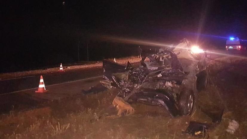 В Приморье в ДТП с грузовиком погибли два человека