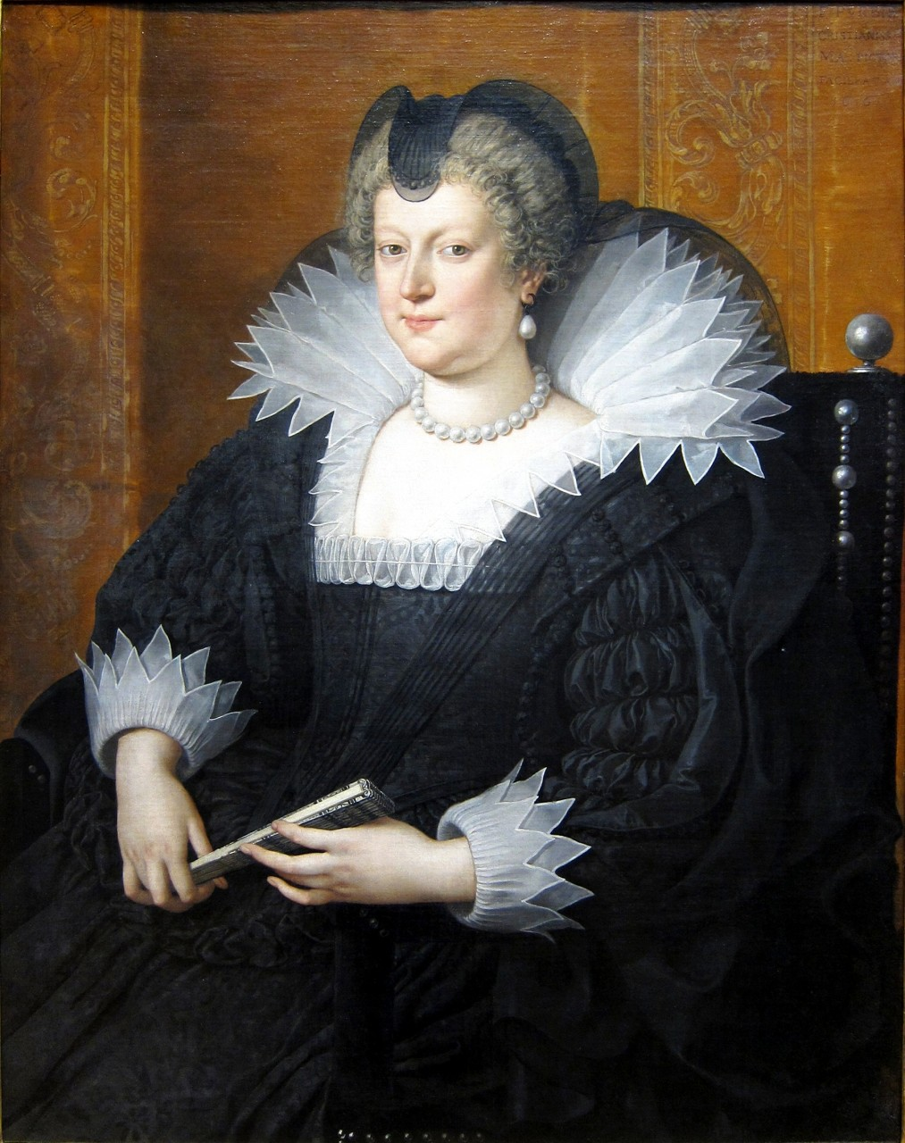 https://upload.wikimedia.org/wikipedia/commons/2/23/Chicago_art_inst_pourbus_marie_de_medici.JPG