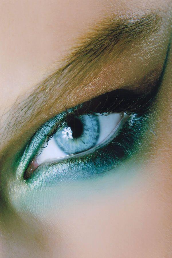 Как голубые глаза сделать еще голубее