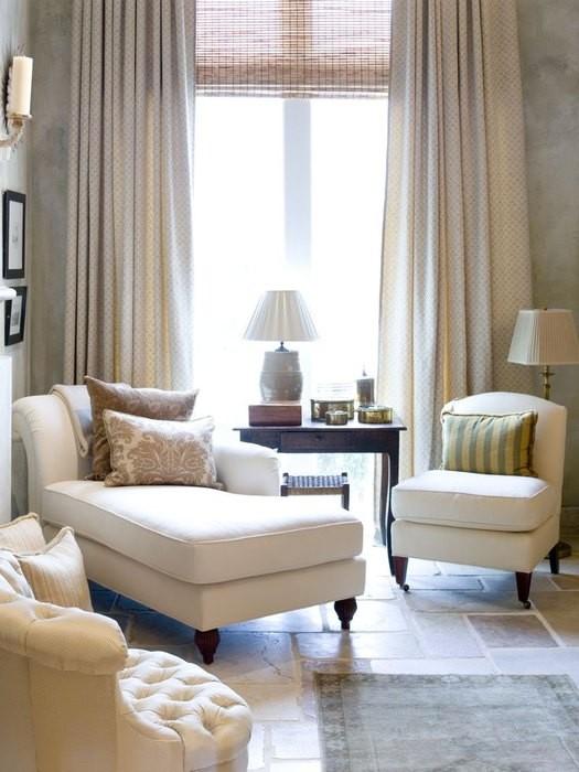 Причины, по которой стоит выкинуть диван из малогабаритки: [b] Причина №10:[/b] большинство диванов габаритные и не поместятся в одном небольшом углу.