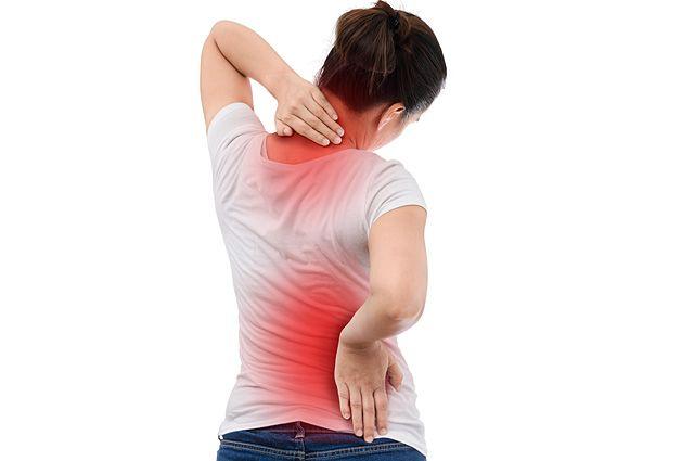 Лечим причину. Как пережить осень без боли в спине? | Здоровая жизнь |  Здоровье | Аргументы и Факты