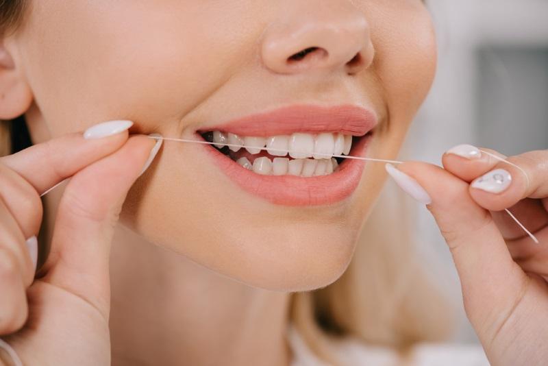 запах изо рта даже после чистки зубов