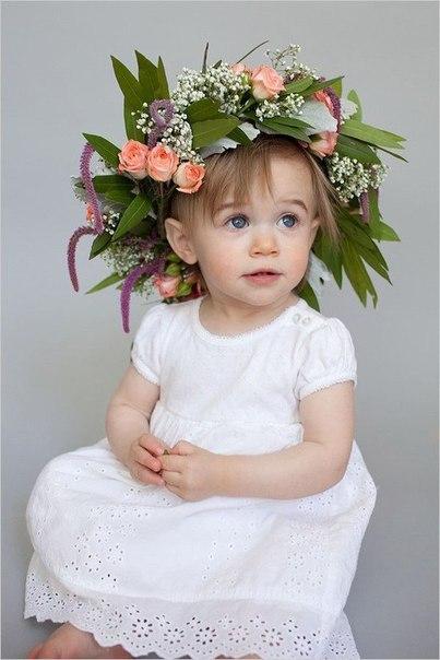 Делаем пышный цветочный венок