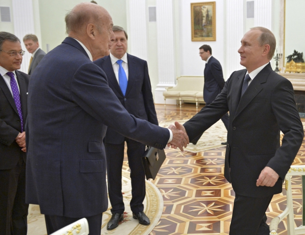 Бывший президент Франции после встречи с Путиным встал на защиту России