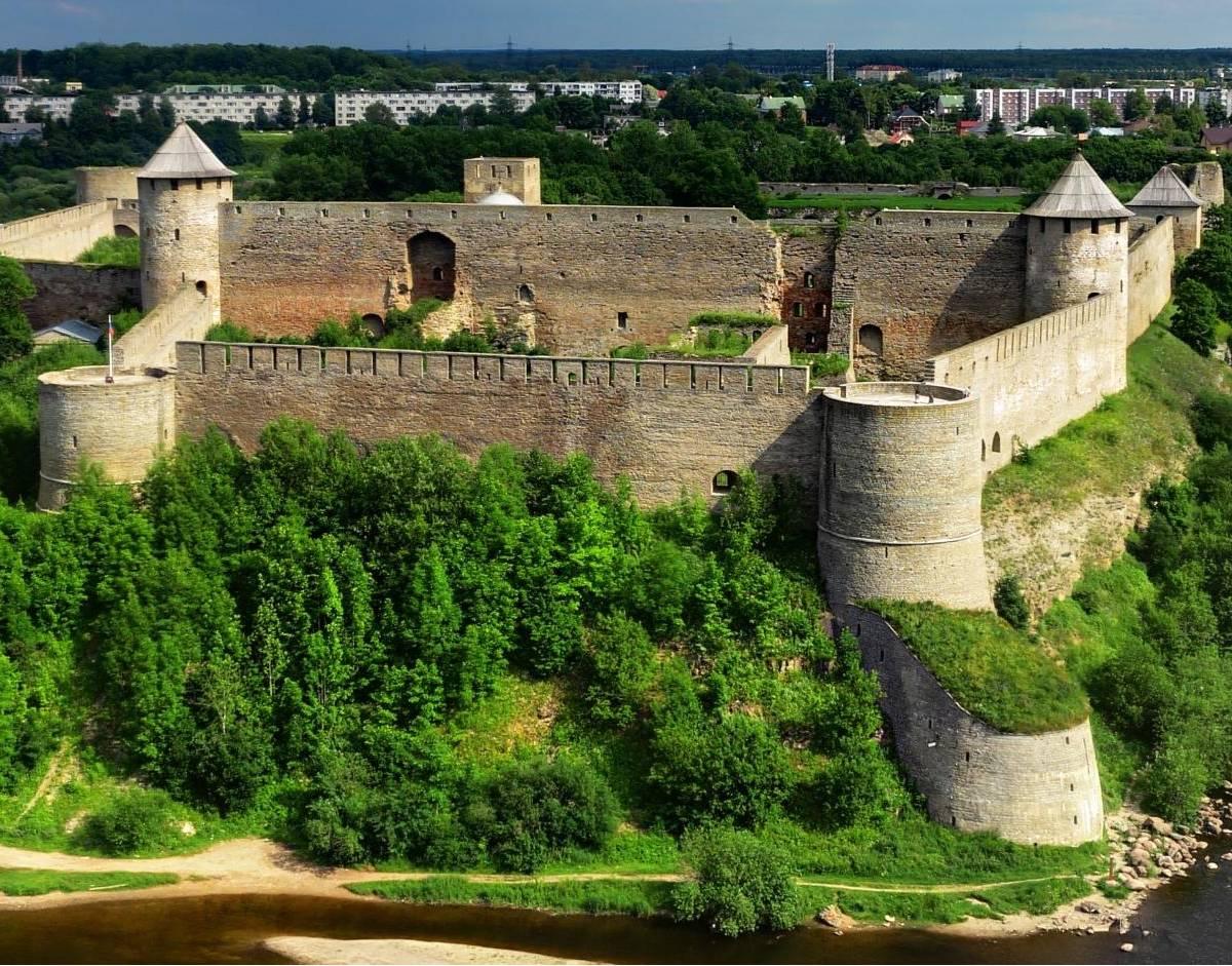 Вернуть Ивангород: Эстония уже не заявляет вслух о Тартусском договоре