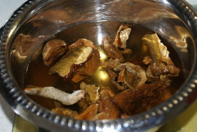 Грибная солянка - рецепт из книги «Обрядовая кулинария». Очень насыщенный грибной вкус
