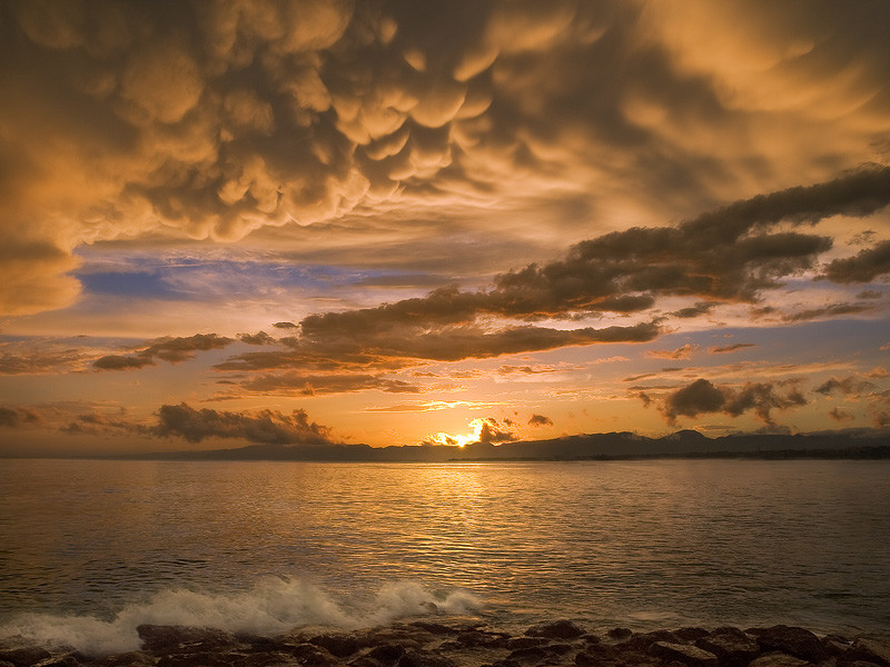 Фотография Mamma Clouds over Mediterranean Sea автор Jan Bainar на 500px