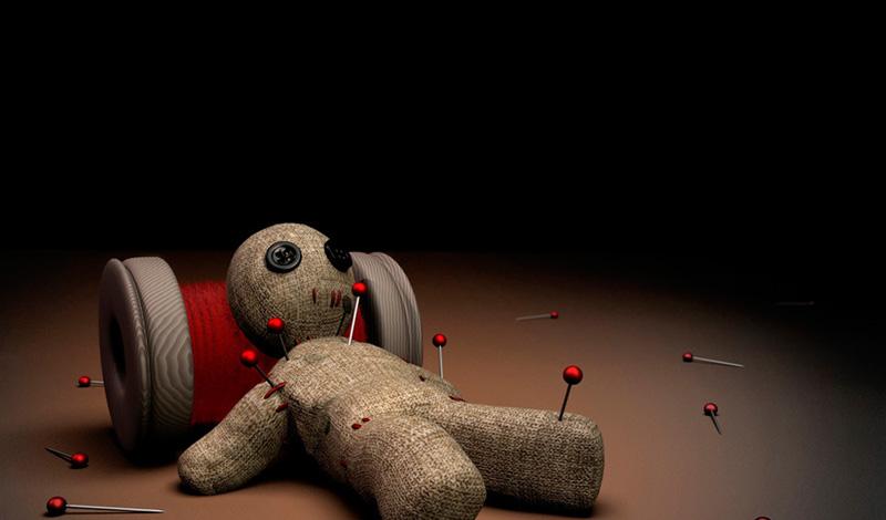 Кукла Вуду Авторы: племена африканского континента Настоящая классика, кукла Вуду была способна не только превратить человека в зомби, но и передать всю его силу колдуну. Вот почему последние были самыми уважаемыми членами племени — кто захочет ругаться с человеком, который в любую минуту способен оставить тебя беспомощным.