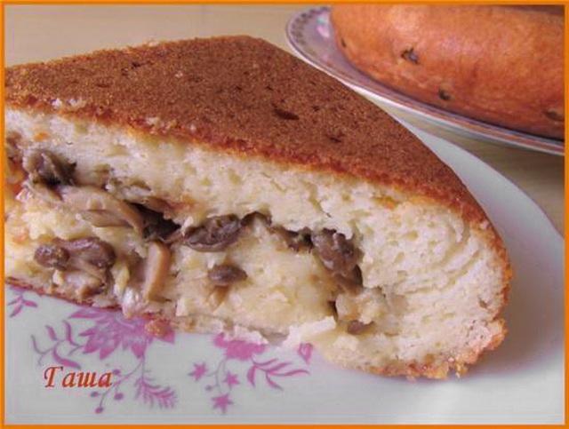 Пирог с грибами в мультиварке.