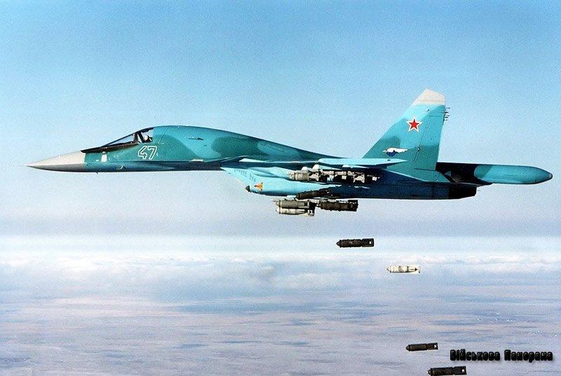 Bloomberg: Россия может начать авиаудары по боевикам ИГ в Сирии вне сил коалиции