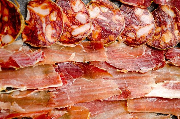 Ложная тревога: 6 аргументов за бекон и сосиски