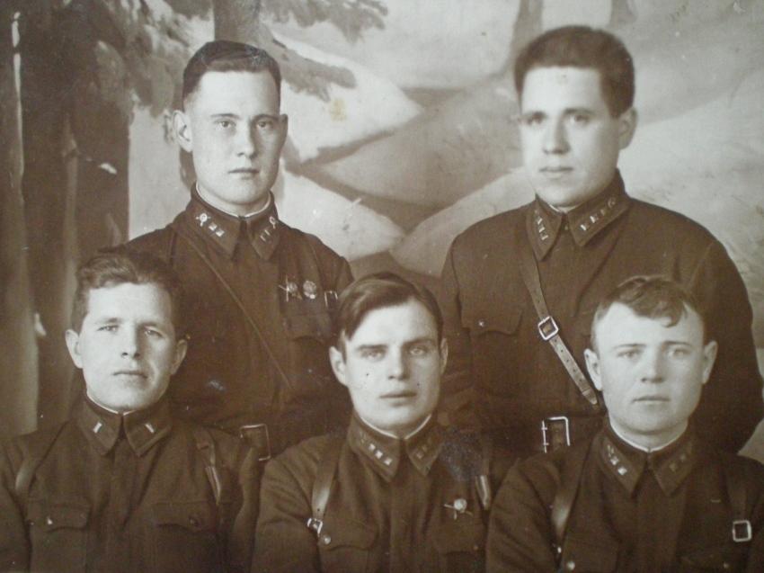 Из роты в живых остался один командир. 1-я дивизия войск НКВД под Ленинградом.