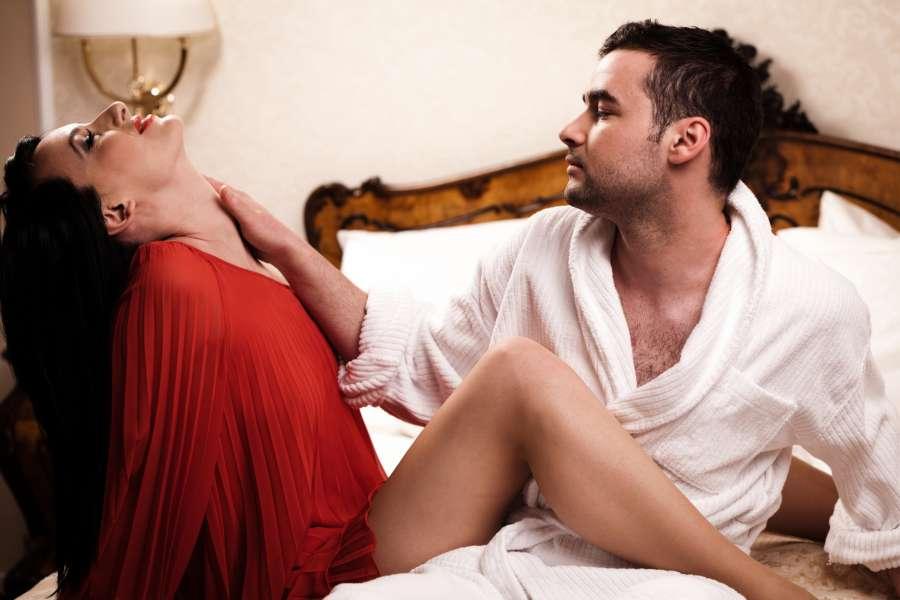 muzhchina-uhodit-posle-seksa