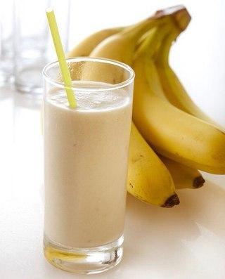 Торопимся? Банановый смузи с овсянкой - идеальный быстрый завтрак